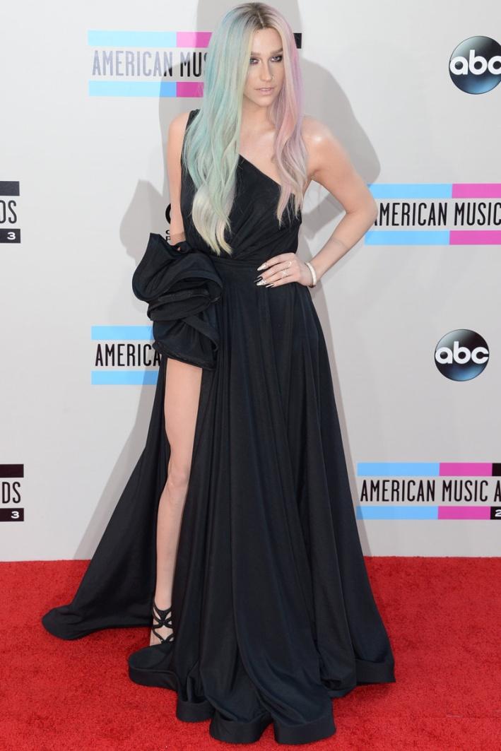 celebrities_en_los_american_music_awards_93617339_800x