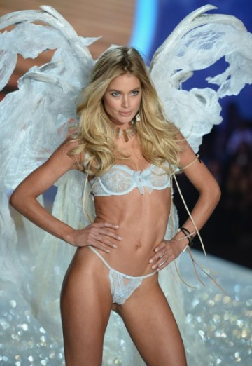 gallery_big_Victorias_Secret_Fashion_2013_Doutzen-400x580