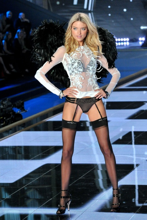 desfile_victoria_secret_2014_londres_356802_800x