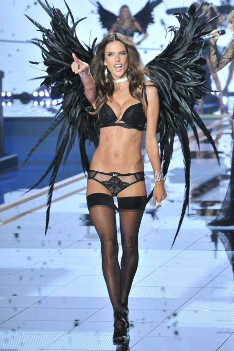 desfile_victoria_secret_2014_londres_41366036_800x