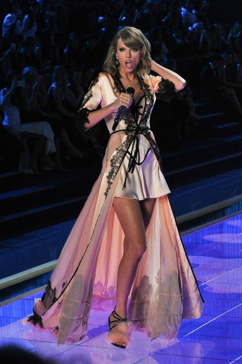 desfile_victoria_secret_2014_londres_462303826_800x