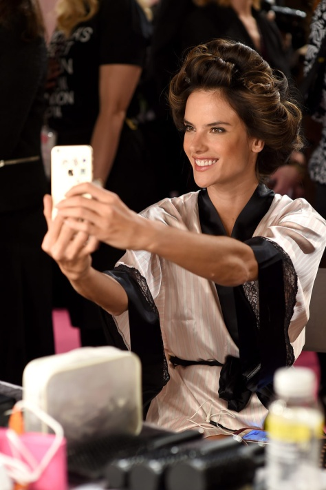 fotos_de_backstage_victorias_secret_fashion_show_2014_559321626_800x