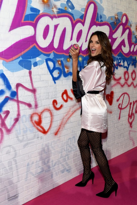 fotos_de_backstage_victorias_secret_fashion_show_2014_974529658_800x
